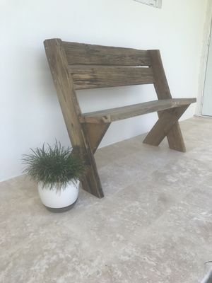 Beautiful Garden Bench for Sale in Hialeah Gardens, FL