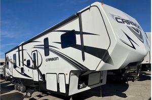 2014 KEYSTONE CARBON 387 TOYHAULER w/Separate Garage for Sale in Temecula, CA