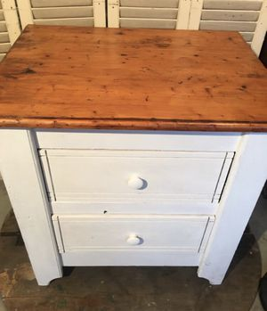 SOLID WOOD END-TABLE OR NIGHTSTAND for Sale in Eustis, FL