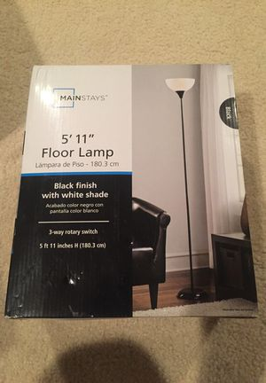 New mainstays 5' 11' floor lamp black for Sale in North Potomac, MD