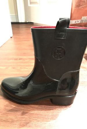 Tommy Hilfiger rain boot for Sale in Medford, MA