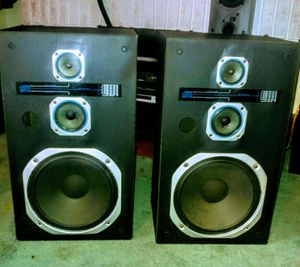 """Large Magnavox Speakers with 12"""" Woofers! for Sale in Akron, OH"""