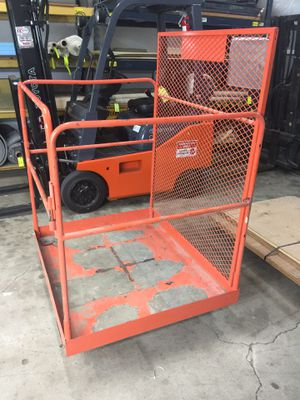 Forklift Deck Maintenance Platform for Sale in Dallas, TX