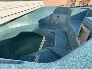 Hot tub spa / jacuzzi $650 OBO for Sale in Las Vegas, NV