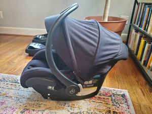 Maxi Cosi Mico 30 Infant Car Seat + 2 Bases (black) for Sale in Bethesda, MD