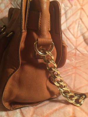 Micheal Kors (MK) - Handbag w/longer gold chains shoulder strap. (Price listed 5O% OFF TODAY) for Sale in Las Vegas, NV