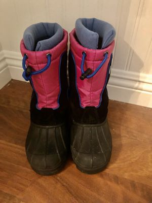 Girls winter snow/rain boots. Size 3 for Sale in Escondido, CA