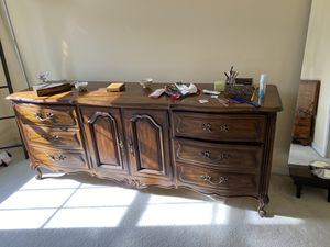 5 pieces Bedroomsa set bed frame dressers mirror and night stand for Sale in Alexandria, VA