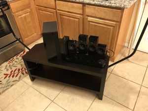 Tv stand 391/2 L 22 D 17 h + Samsun blue ray player with Surroundsound for Sale in Orlando, FL
