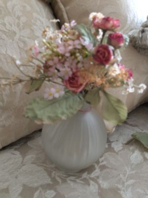Small flowers in glass vase for Sale in Lynnfield, MA