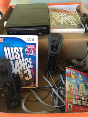 Wii with three games for Sale in Tucson, AZ