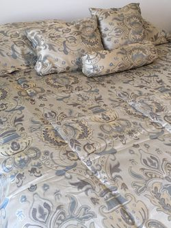 Queen Mattress Set for Sale in Oxford,  CT