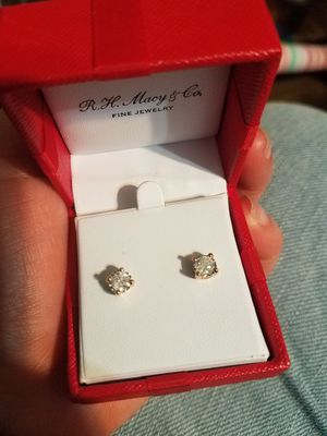 Earrings diamond and gold 14k for Sale in Arlington Heights, IL