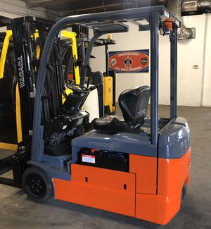 2016 Toyota 8FBE20U 3-Wheel Electric Forklift for Sale in Claremont, CA