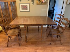 Dining/ kitchen set- 6 chairs - 1 leaf for Sale in Lynnwood, WA