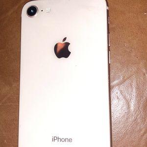 Iphone 8 for Sale in Raymond, WA