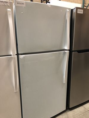 WHIRLPOOL FRIDGE for Sale in El Monte, CA
