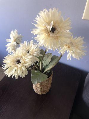 WICKER FLOWER VASE for Sale in Exton, PA