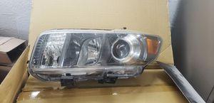 Driver left Headlight 2008-2010 scion xb for Sale in Homestead, FL