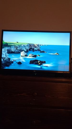 "TCL 43"" Class 4K UHD LED Smart Roku TV w/ TCL Soundbar for Sale in Chula Vista, CA"