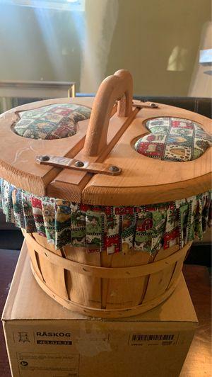 vintage picnic basket for Sale in Fontana, CA