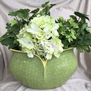 Beautiful Vase / Planter for Sale in Sherman, TX