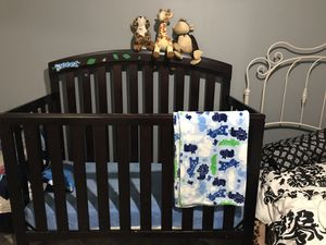 Baby Crib for Sale in Sanger, CA