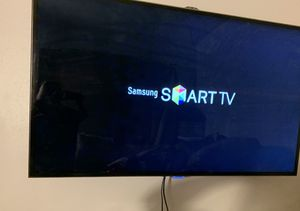 65in Samsung TV / Wall Mount for Sale in Wheat Ridge, CO