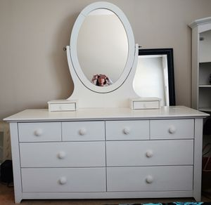 """6 drawer dresser with detachable mirror. Solid wood. 65"""" × 21.5 for Sale in Maryville, TN"""