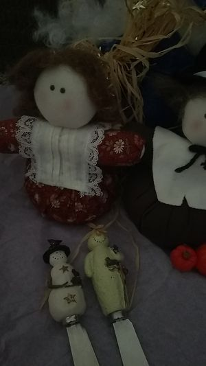3 handmade Christmas doll and two Thanksgiving dolls 2cheese knifes for Christmas for Sale in Lincoln, NE