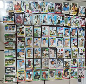 Lot of 108 vintage baseball cards 1960s to early 80s for Sale in Miami, FL
