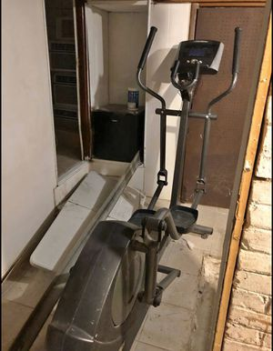 Elliptical machine! WORKS GREAT! DELIVERY INCLUDED! for Sale in New York, NY