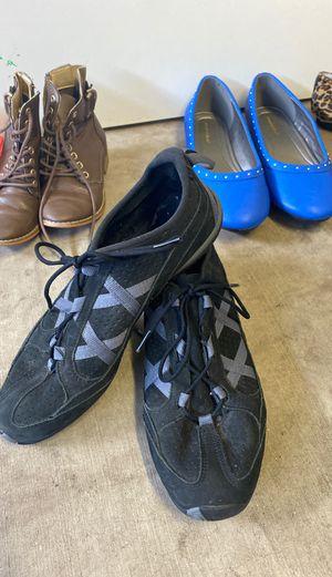 Women's size 9 1/2 brand new Reeboks for Sale in Glendale, AZ