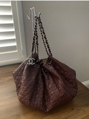 CHANEL Burgundy Rock In Moscou Bag Tote Chain Straps Patent Leather for Sale in Phoenix, AZ