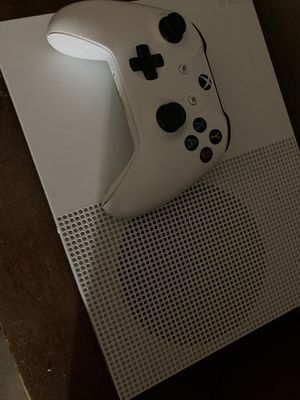 Xbox one S 500 gb with 3 games for Sale in Homestead, FL