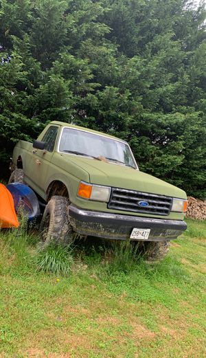 89 Ford bronco 40 inch super swampers for Sale in Havre de Grace, MD
