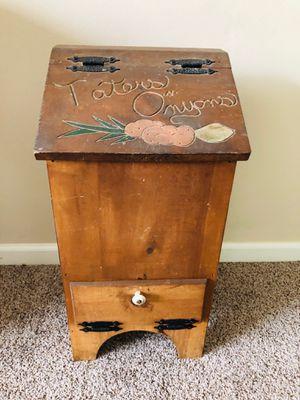 """Tater & Onion"" Box for Sale in Yorktown, VA"