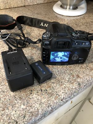 Sony DSLR-A100 camera Bundle, 2 Batteries, Charger And New 4G Memory Stick and printed manual. for Sale in La Habra, CA