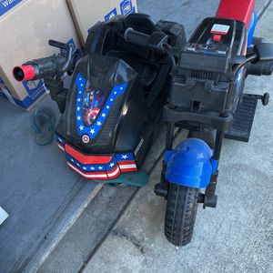 Marvel's Captain America Motorcycle and Sidecar, 12-Volt Ride-On for Sale in Westminster, CA