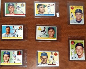 VINTAGE BASEBALL CARDS FROM THE 50S W/STARS for Sale in Turlock, CA