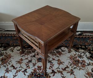 Wood End Table / Side Table for Sale in Chicago, IL
