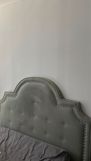 Full/Queen Tufted Headboard for Sale in Washington, DC