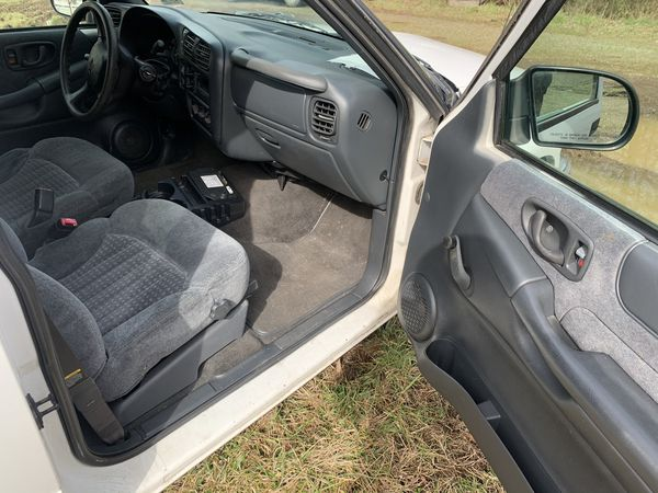 1999 Chevy Blazer 4x4 parting out