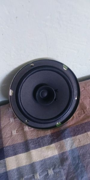 Mandalyne 6 inch round audio speaker for Sale in Fresno, CA