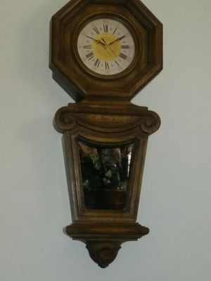 Antique clock battery works great large glass in front for Sale in Las Vegas, NV