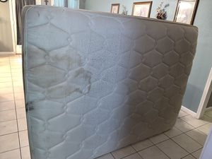 Queen Mattress FREE for Sale in Houston, TX