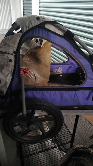 Bicycle trailer rough condition frame and everything with attachment for Sale in San Marcos, CA