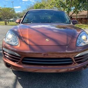 Excellent Condition 2013 Porsche Cayenne Fully Loaded Leather Panoramic Sunroof Navigation Clean Title Low Miles Guaranteed Approval for Sale in Hollywood, FL