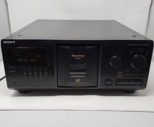 Sony CDP-CX300 Mega storage 300 disc CD for Sale in Kingsville, TX
