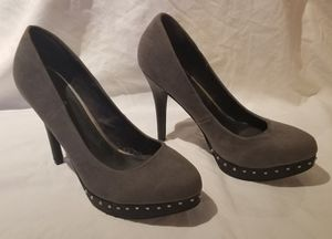 Women's Grey Heels- Size 7.5 for Sale in Tacoma, WA